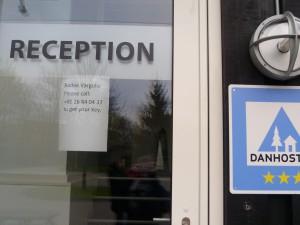 Vzkaz na zavřené recepci